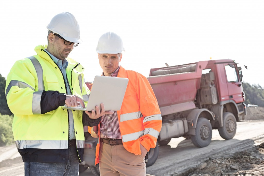 How to Keep the Construction Site Safe for Your Employees