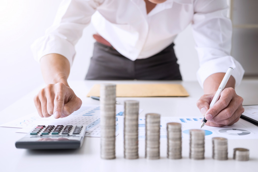 Business Smarts: Learn How to Cut Down Your Expenses