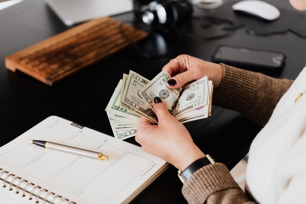 4 Efficient Tactics for Better Financial Management