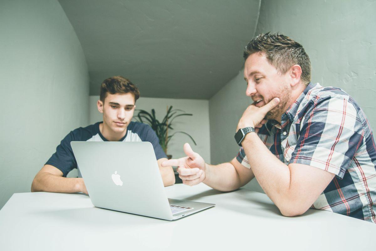 mentor teaching mentee