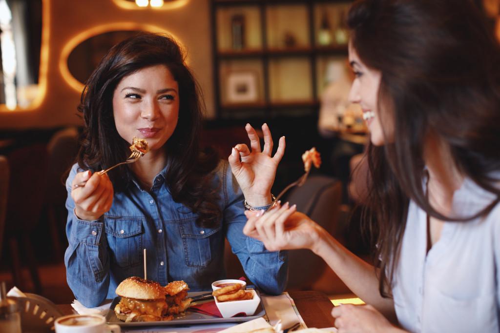 two women eating